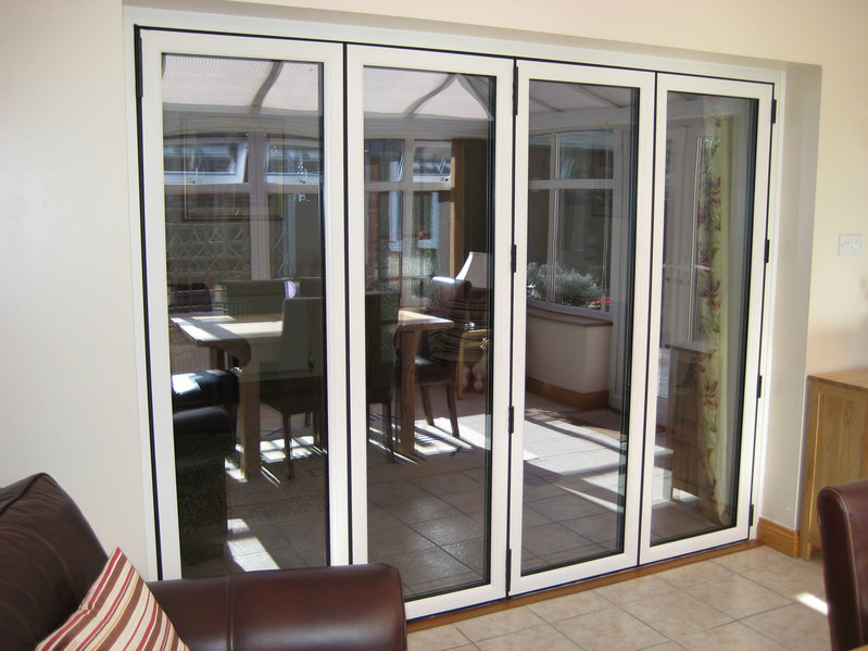 2990 x 2090 white upvc bi fold door folding doors 2 u for Upvc folding doors