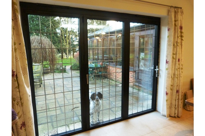 3 Panel Black aluminium bifold door with lead
