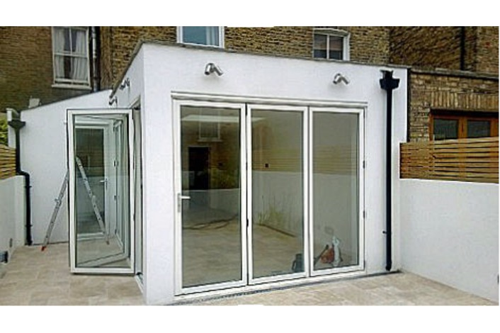 White 3 and 4 panel bifold doors in new kitchen extension